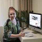 Pankkiuralta yrittäjäksi – Katja auttaa nyt digipulmissa