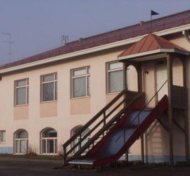 Kuvassa Konnarin koulun 80-luvulla rakennettu lisäsiipi. Kuva: Matti Siivonen