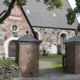 Pianokonsertti Uponnut katedraali ja satakieli