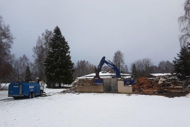 Niin sanottua Venttiilin hallia purettiin 29. marraskuussa 2017. Kuva: Matti Siivonen