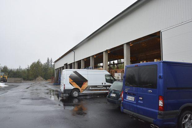 Tuotantotilan ja varaston laajennus puolitoista vuotta sitten kannatti. Tilauskanta kääntyi samantien nousuun. Kuva: Susanna Mattila