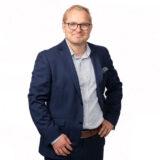 MARTTI HAKALA: Liikkuva liiketoimintajohtaja painottaa pitkäaikaisen säästämisen tärkeyttä