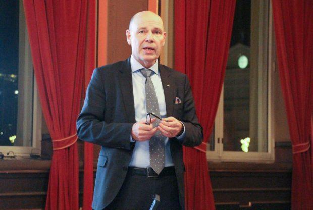 Hämeen Kauppakamarin toimitusjohtaja Jussi Eerikäinen kertoi havainneensa, että sote- ja maakuntauudistukseen on Kanta-Hämeessä suhtauduttu etunojassa.