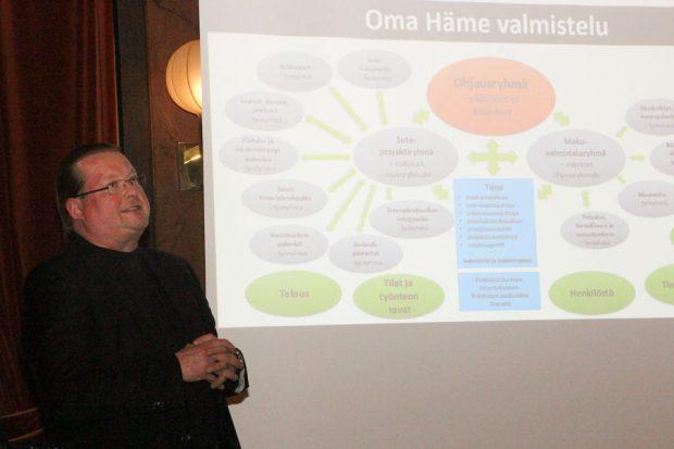 Eurooppalaisen aluehallinnon hyvin tunteva Matti Lipsanen sanoi, että tästä uudistuksesta muutosjohtajakin innostuu.
