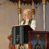 Virkaan asettaminen veti kirkon täyteen