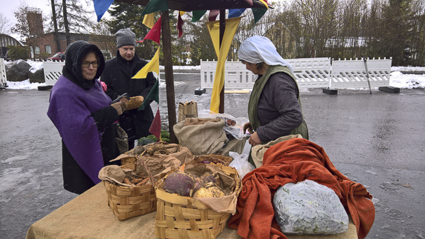 Tohijärven luomutilan tuotteet kävivät kaupaksi.