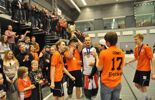 LASBin B-poikien joukkue taisteli itselleen suomenmestaruuden ensimmäisenä B-junnujoukkueena Hämeessä. Kuva: LASB
