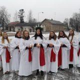 Lucia-neidot toivat valoa Lammille