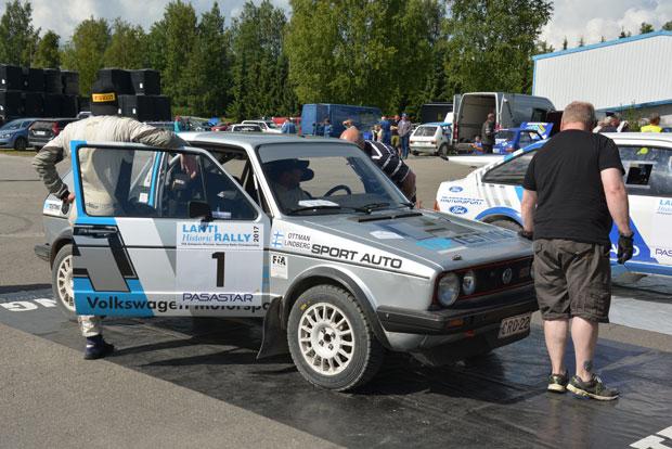 Janne Lindberg ja Jarno Ottman HyUA, olivat jo ehtineet huoltopaikalle.