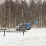Pakettiautoilija kaahasi Tuuloksessa